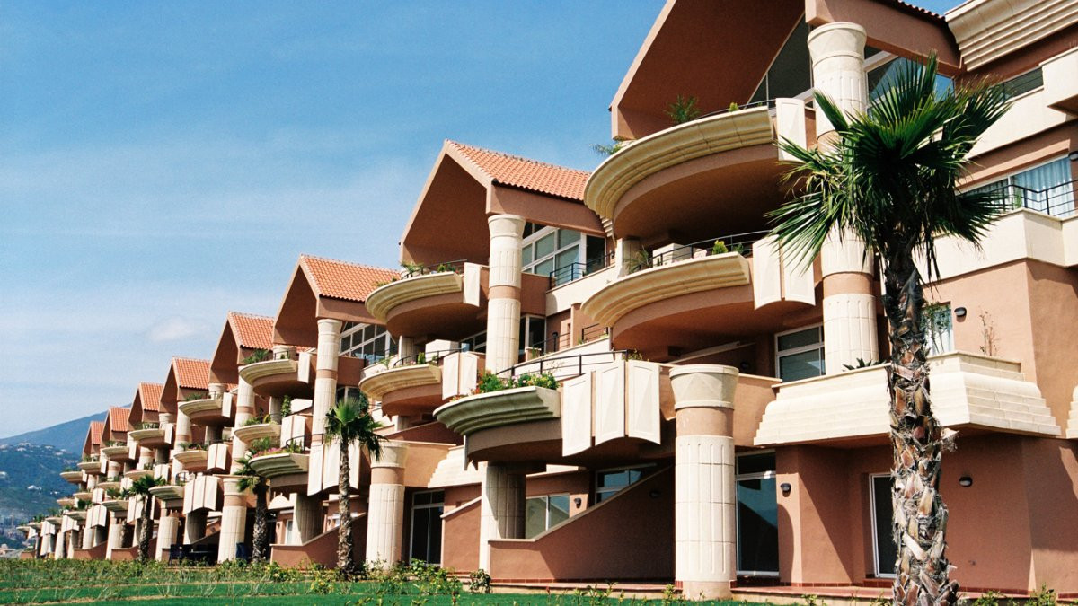 BARGAIN !!! 2 BED APARTMENT FOR SALE IN MAGNA MARBELLA ONLY 255.500€ !!!  Amazing ground floor apart,Spain