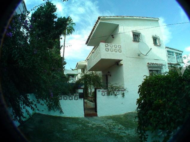 This nice and comfortable house of 87 square meters is located near the city center in a private and,Spain