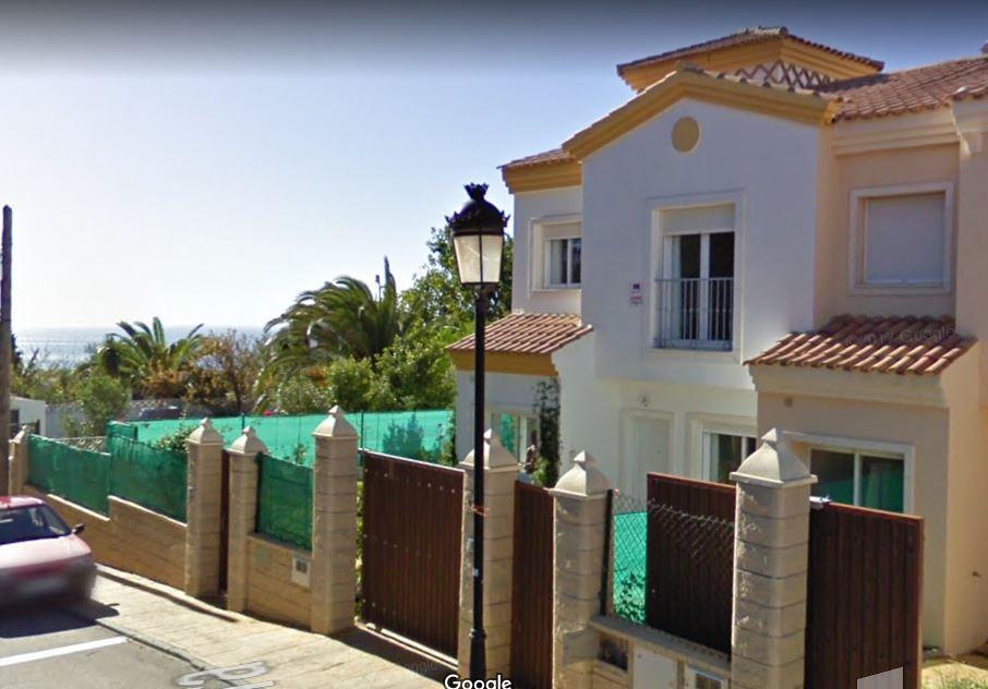 4 bedrooms Semi-detached Villa for Sale in Vistas de las Rocas, Malaga.  Do you want to live in a pl, Spain