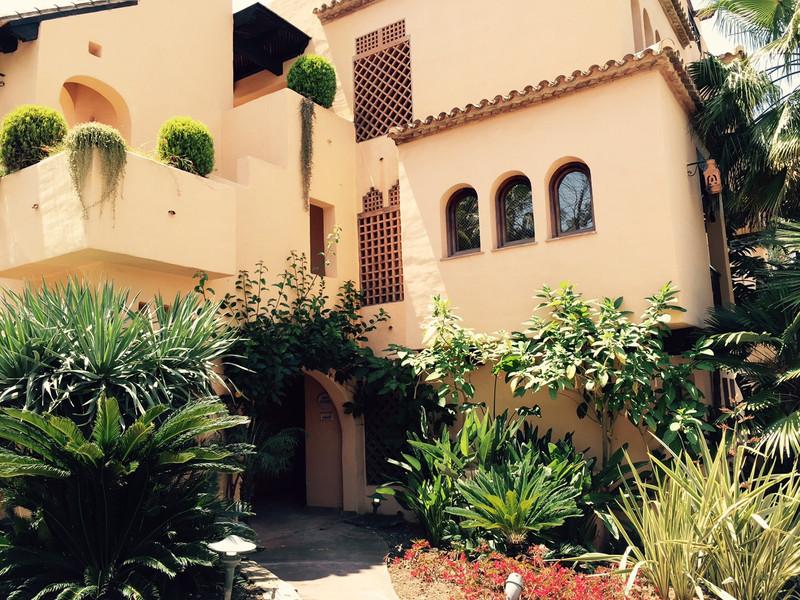 Ground Floor Apartment in El Paraiso