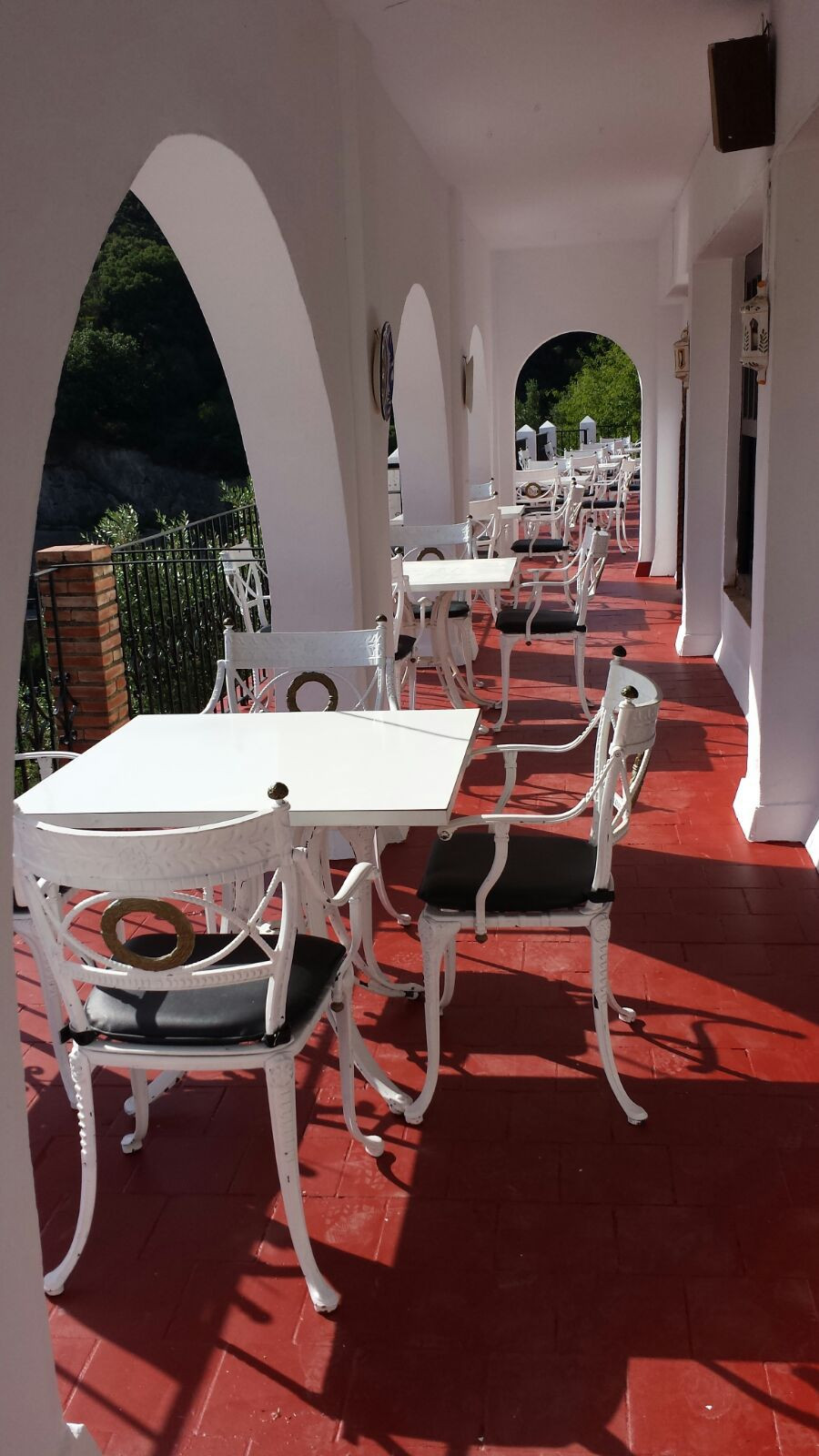 Commercial in Casares
