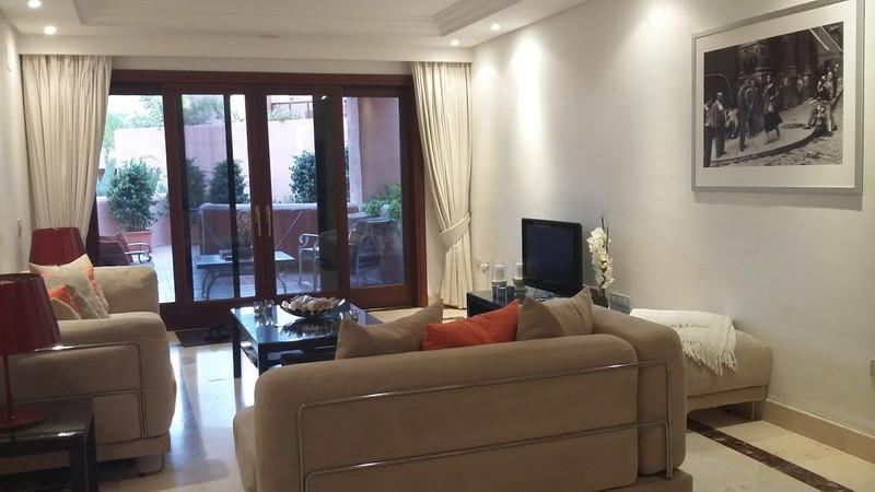 Marbella Banus Apartamento Planta Baja en venta, Estepona – R2964815