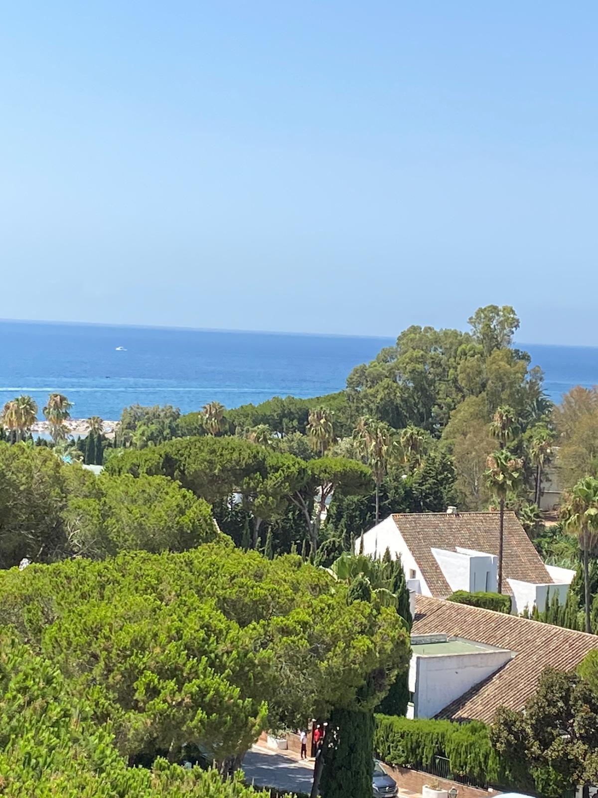 Marbella Banus Apartamento en Venta en Puerto Banús – R3676817