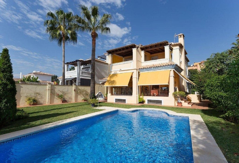 Villas In Marbella 9