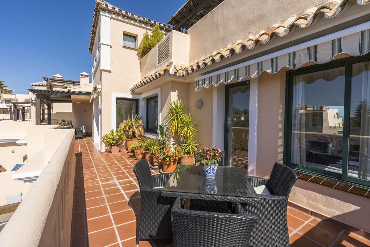 Apartment  Penthouse 													for sale  																			 in Elviria