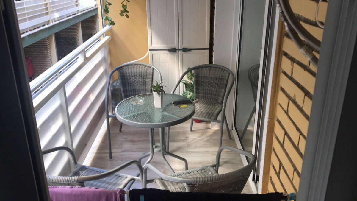 Middle Floor Apartment for sale in Fuengirola R3915574