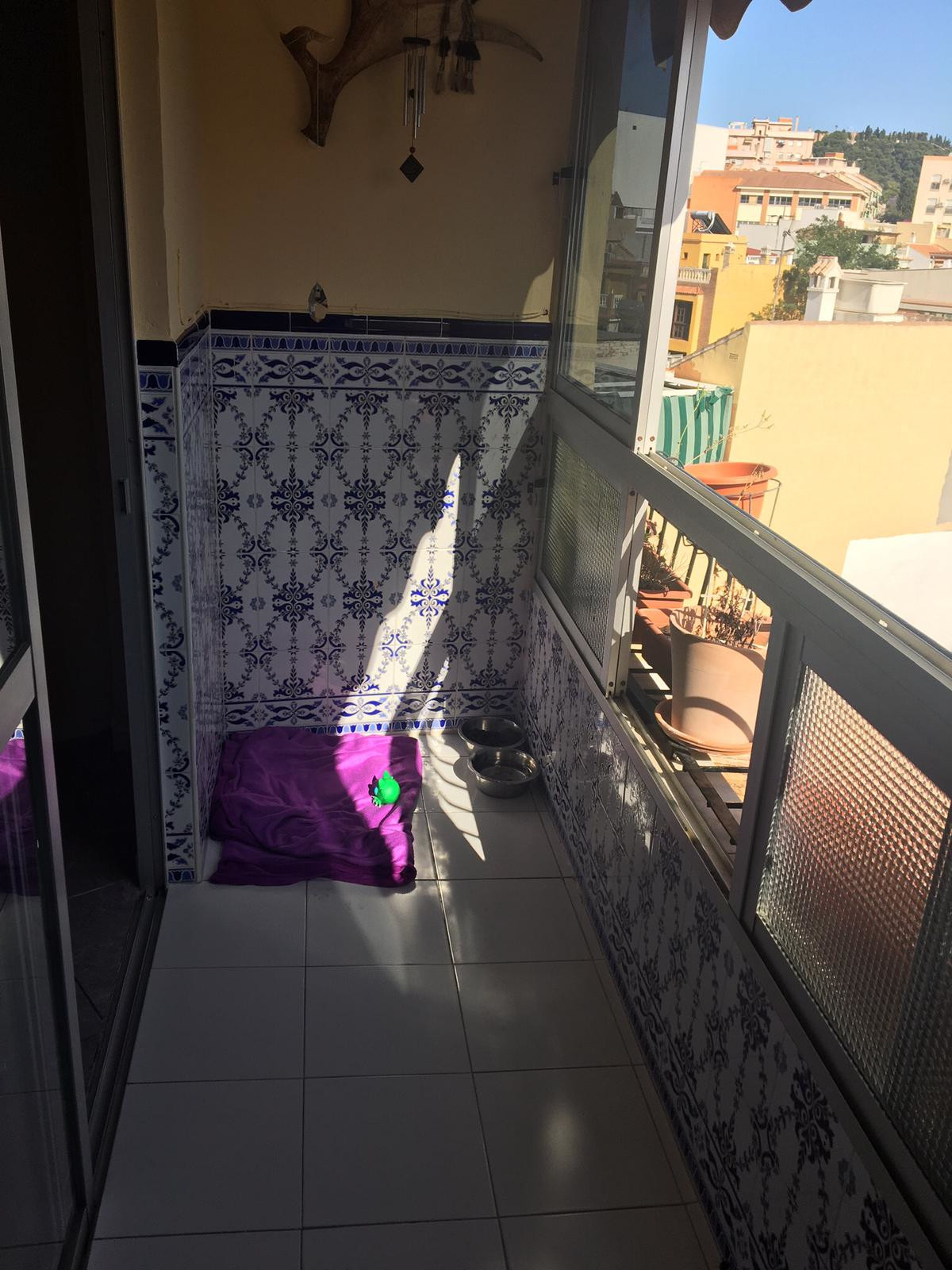 Middle Floor Apartment, Malaga 9mn Historic Centre, Costa del Sol. 2 Bedrooms was3, 1 Bathroom, Buil, Spain