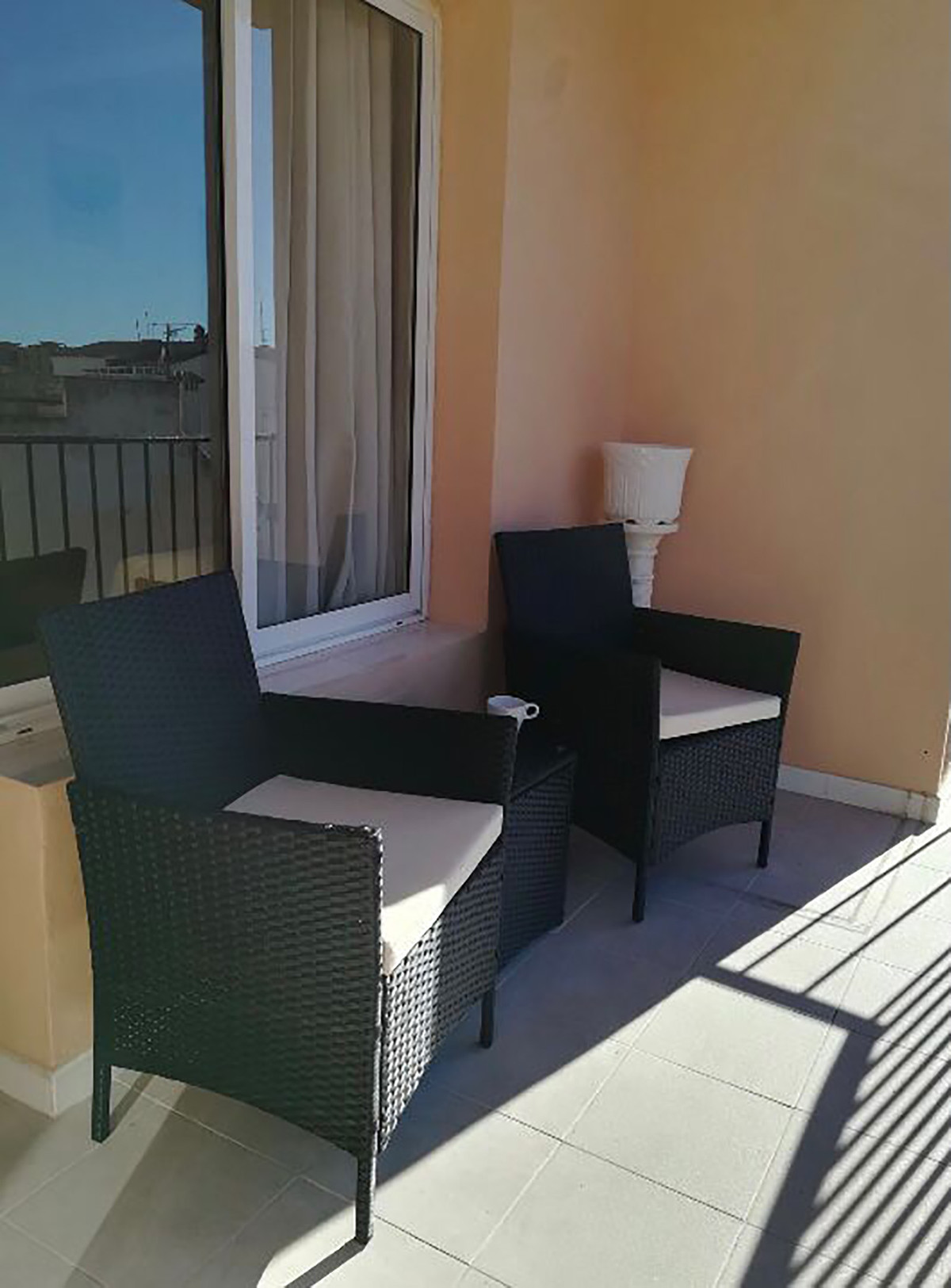 Middle Floor Apartment, Fuengirola, 50m from plaza de la constitucion Costa del Sol. 2.5 Bedrooms, 1, Spain