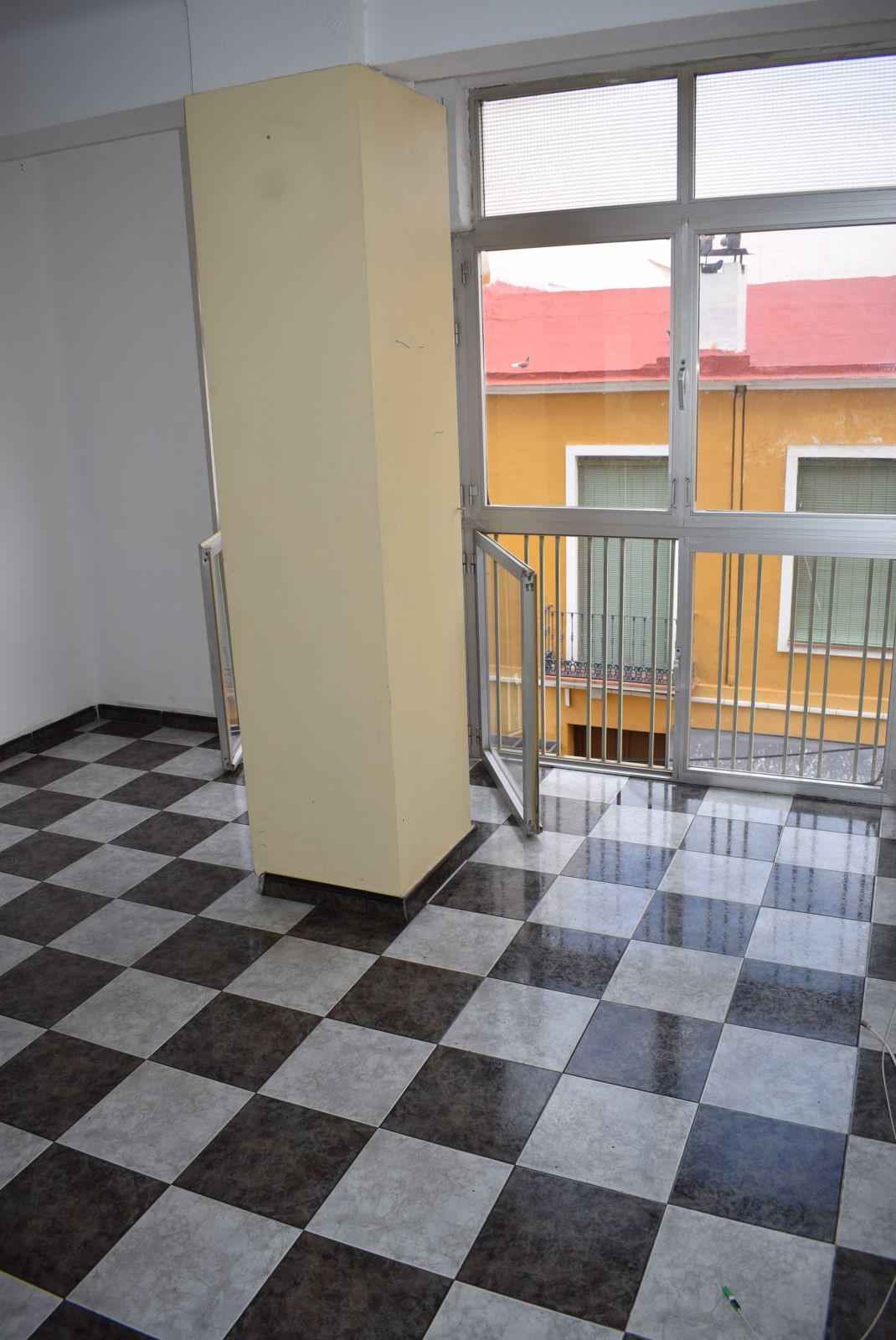 Middle Floor Apartment, Malaga only 1mn historic Centre, Costa del Sol. 2 Bedrooms, 1 Bathroom, Buil,Spain