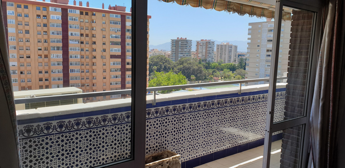 Middle Floor Apartment, Malaga 8mn walking historic Centre, Costa del Sol. 3 Bedrooms, 2 Bathrooms, , Spain