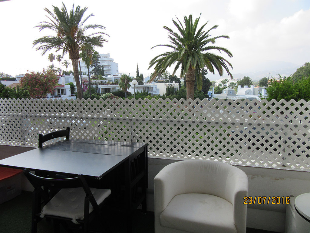 For sale a 3 bedrooms, 2 bathrooms ground floor apartment 140.m2 built with terrace part closed in t,Spain