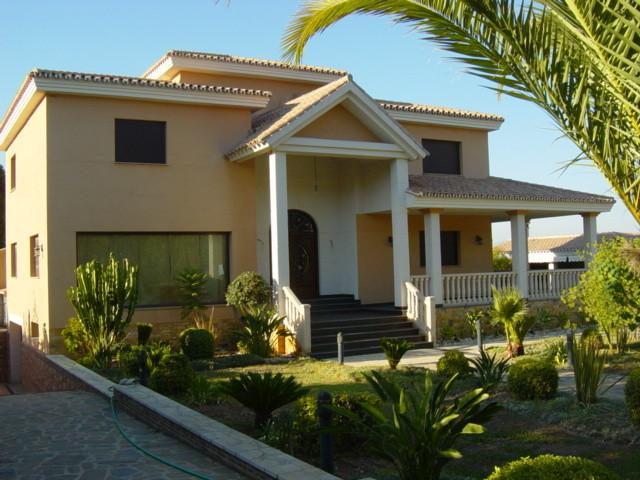 Villa – Chalet en venta en Alhaurín de la Torre – R3024572