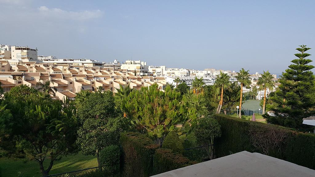 Detached Villa, Benalmadena, Costa del Sol. 3 Bedrooms, 3 Bathrooms, Built 114 m2 Porch entrance 80m,Spain