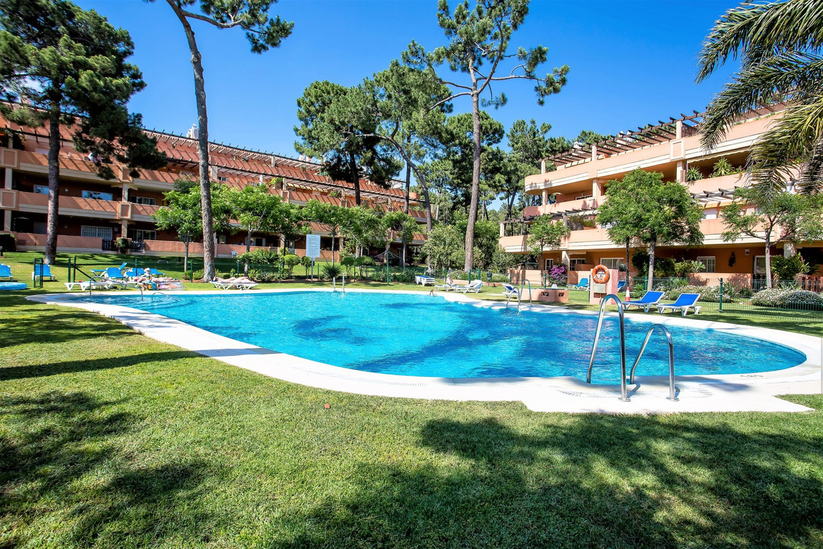 Location, Location, Location!!! Fantastic opportunity to own this great apartment, steps from everyt,Spain