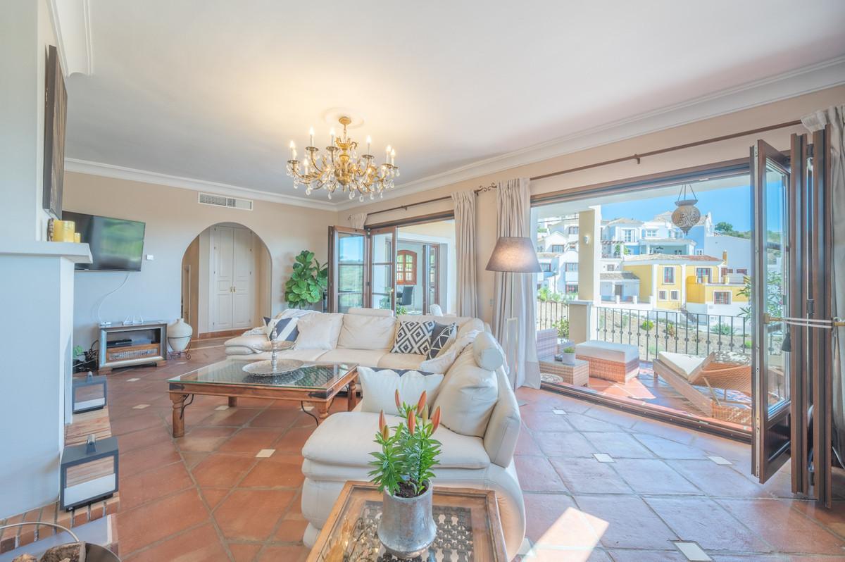 R3721994 | Townhouse in Benahavís – € 430,000 – 3 beds, 2 baths