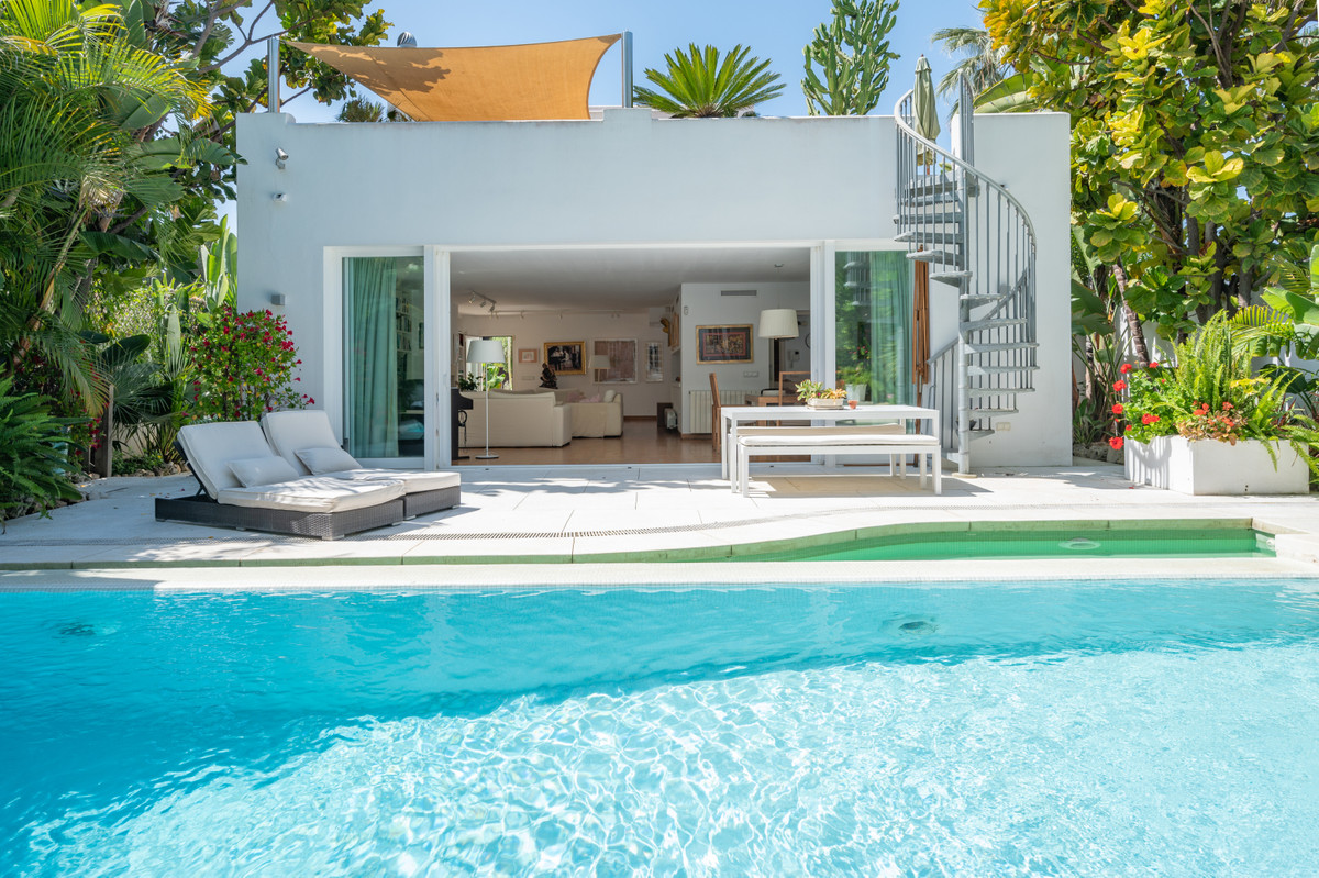 5 bedroom villa for sale marbella