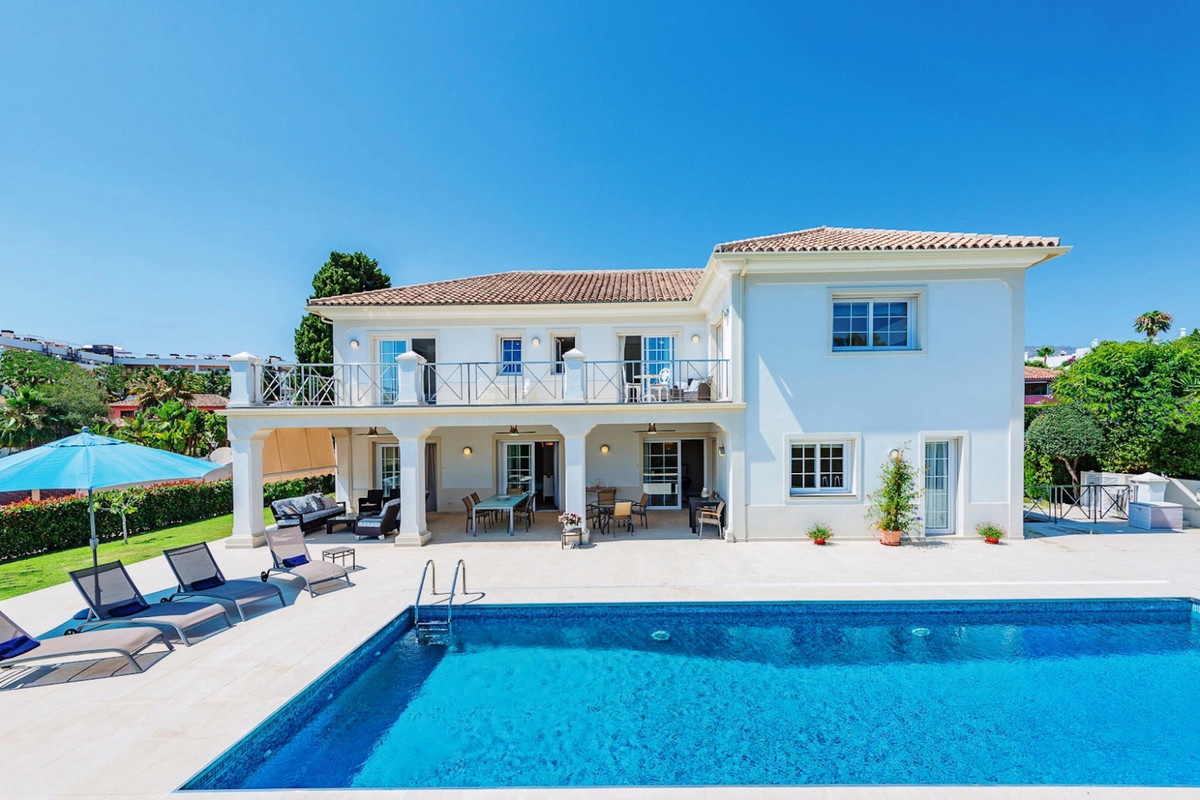 Villa Detached in The Golden Mile, Costa del Sol