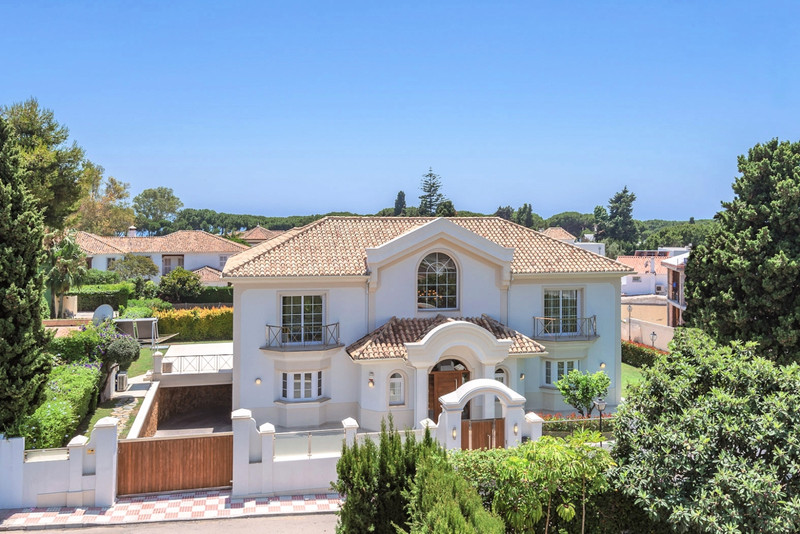 Marbella Banus Villa – Chalet en venta en The Golden Mile – R3594340