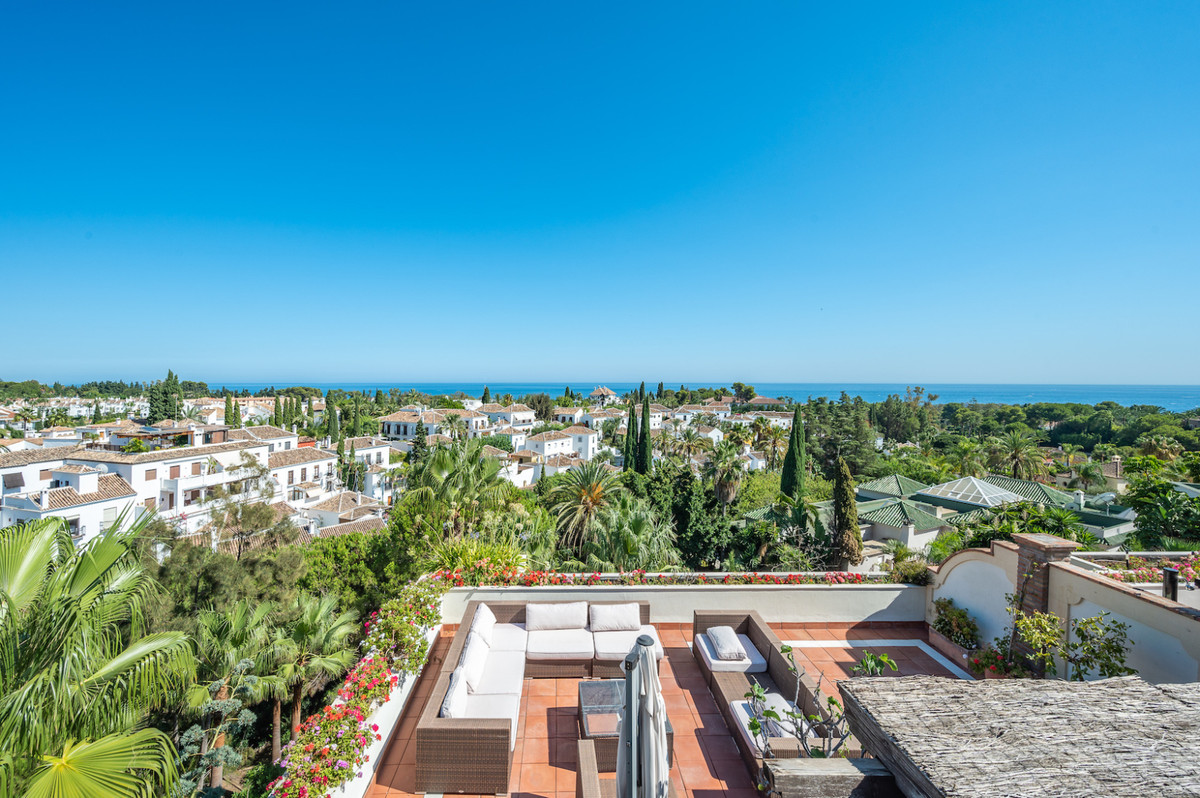Marbella Banus Ático en Venta en The Golden Mile – R3686477