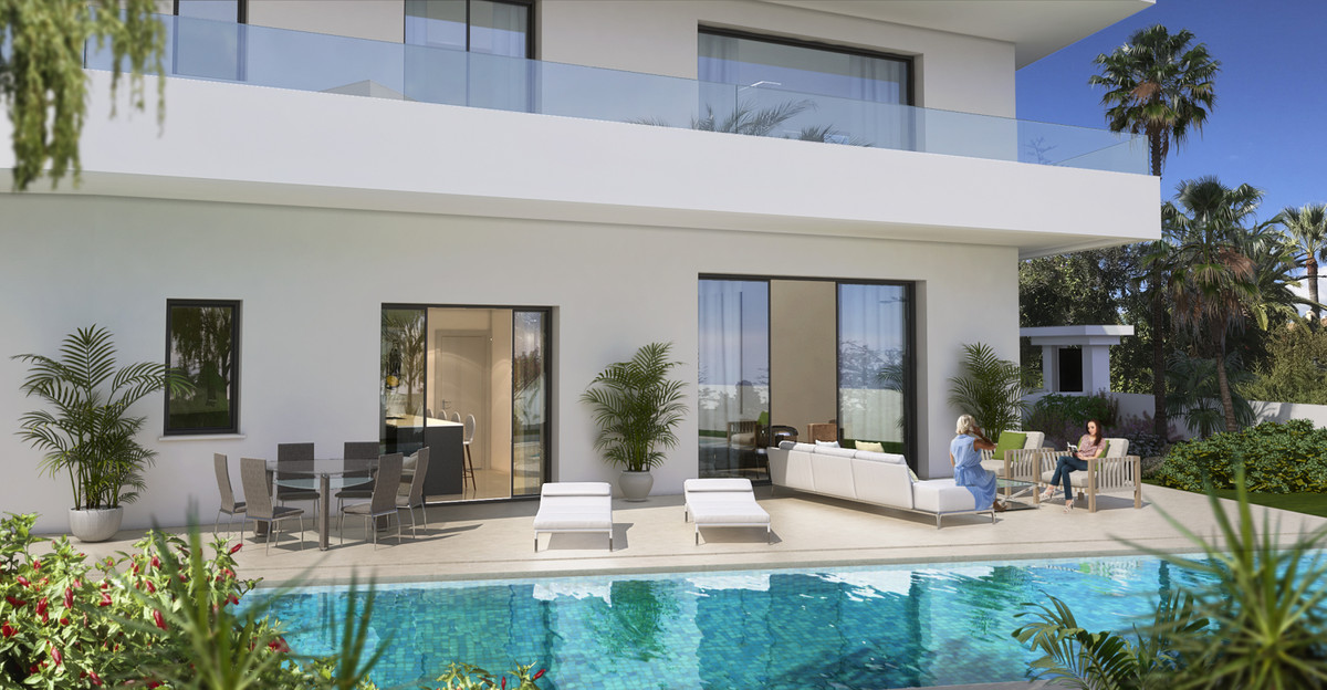 Prepared to move in! Marbella Golden Mile, beach side, Modern villa in Casablanca with 170m2 roof te, Spain