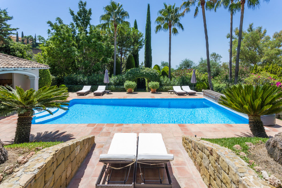Detached Villa, Benahavis, Costa del Sol. 5 Bedrooms, 5 Bathrooms, Built 400 m², Terrace 125 m², Gar, Spain