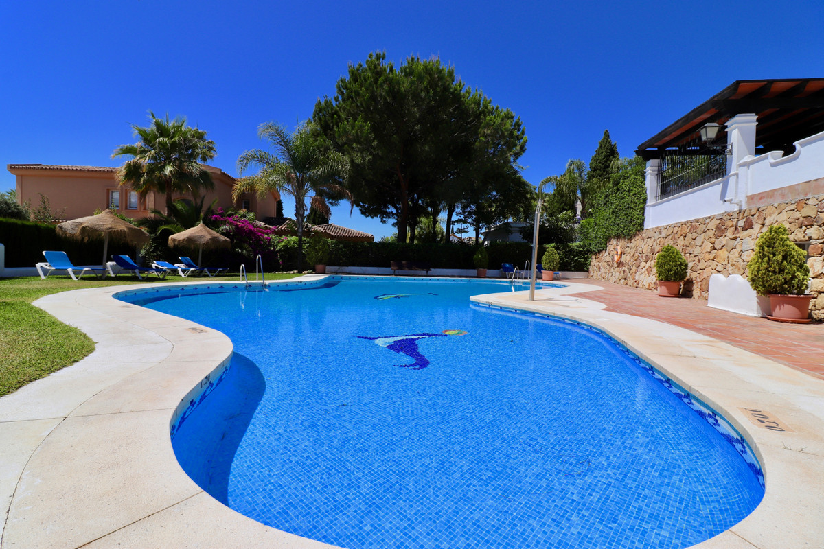 4 bedroom townhouse for sale bahia de marbella