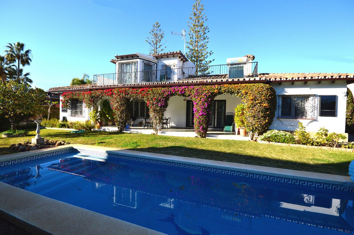 Detached Villa, Marbella, Costa del Sol. 3 Bedrooms, 0 Bathrooms, Built 153 m², Garden/Plot 679 m². , Spain