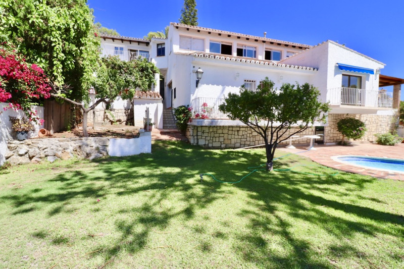 Property for sale in Nueva Andalucia 17