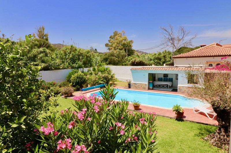 Villa – Chalet, Estepona – R3471538