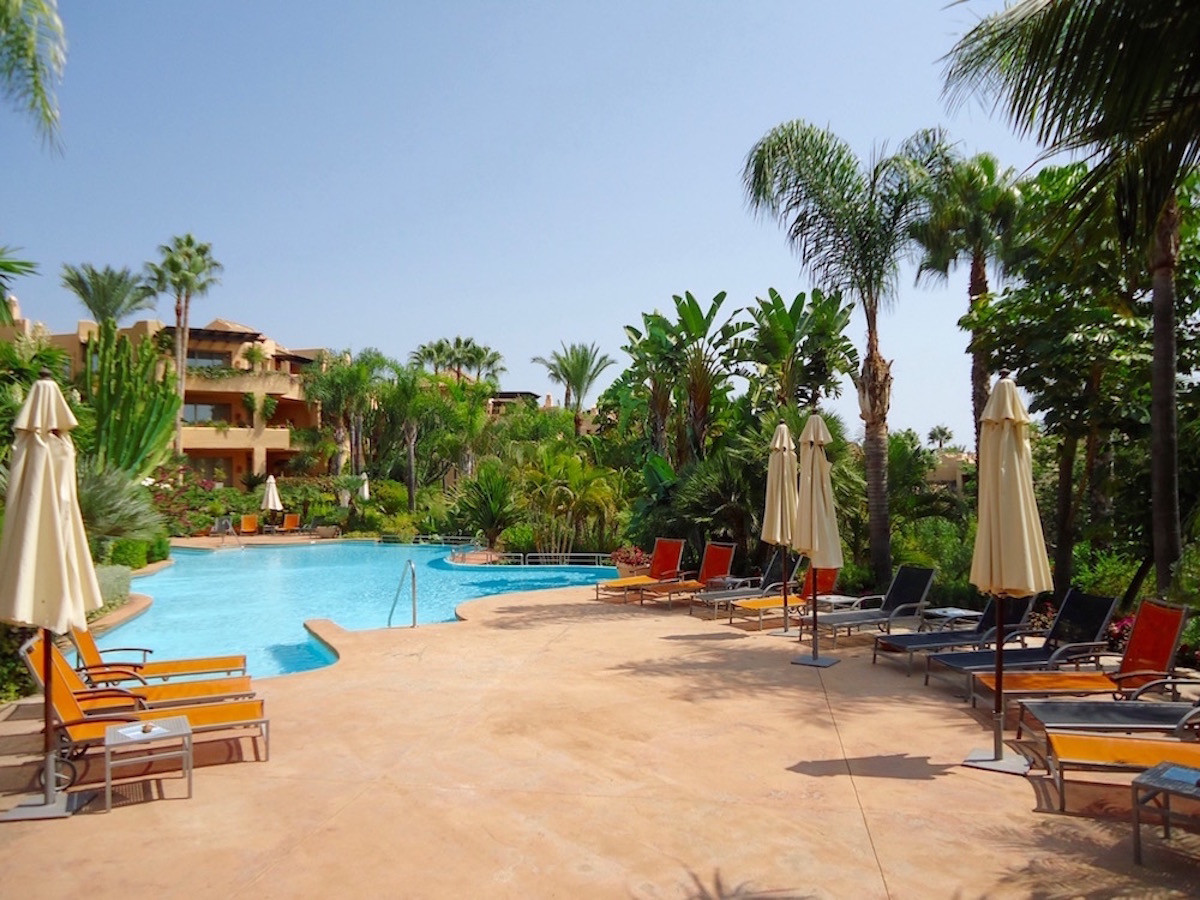 Bargain in Mansion Club. Luxurious 3 Bedroom Ground Floor Apartment, Golden Mile, Marbella.  Entranc, Spain