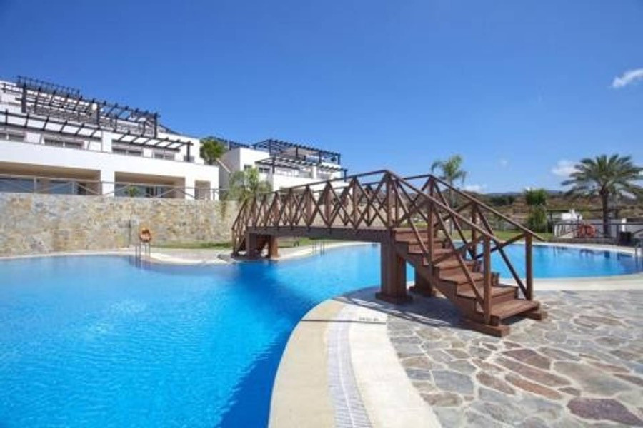 Semi - detached villa located in the urbanization of Santa Clara Golf. With 2 floors, 2 terraces and, Spain