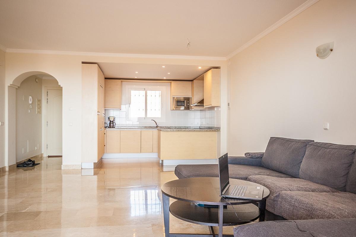 Apartamento en Venta en Calahonda – R3876274