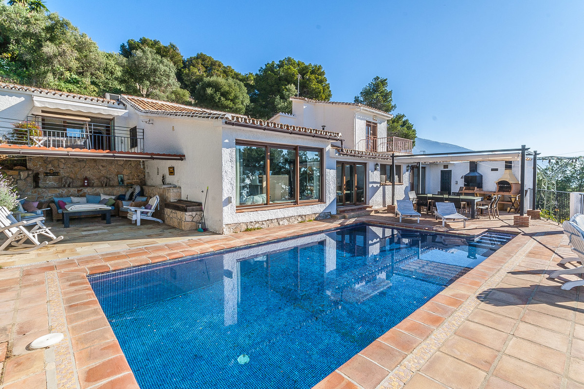 A unique property just a few hundred meters from the famous white village of Mijas, walking distance, Spain