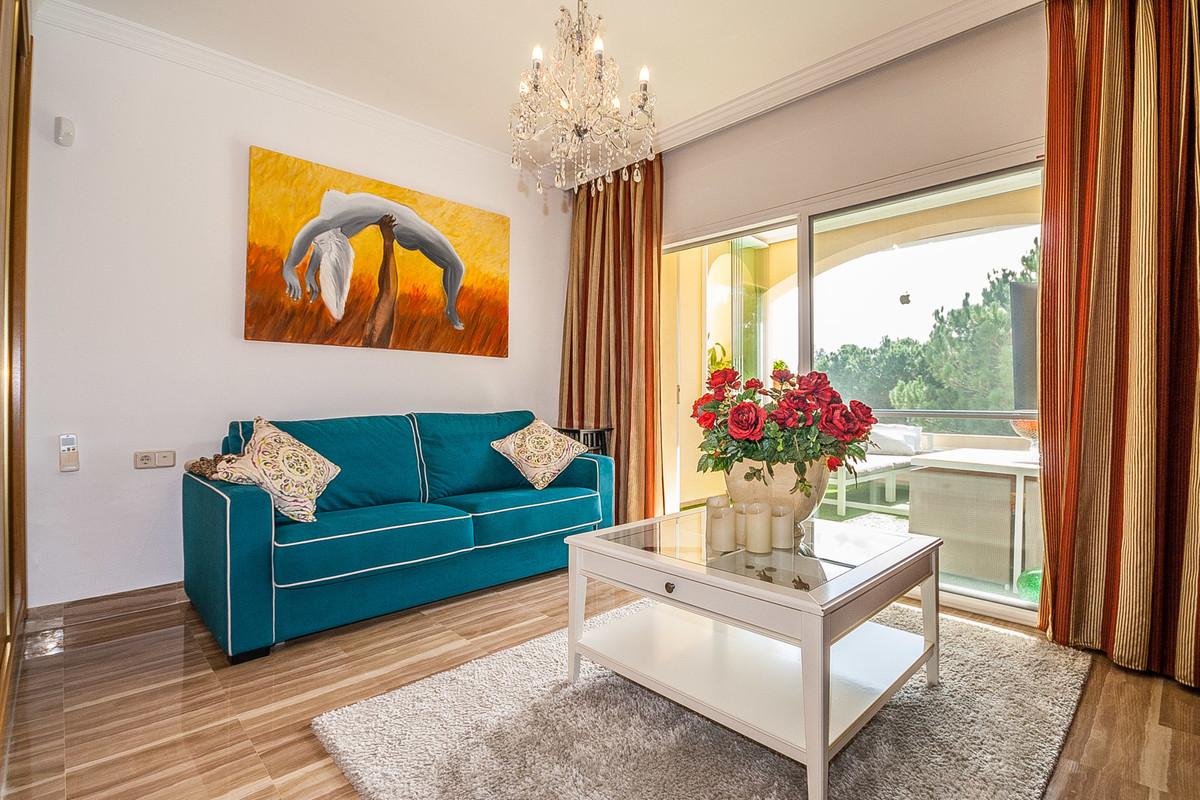 Apartamento en Venta en Elviria – R3584908
