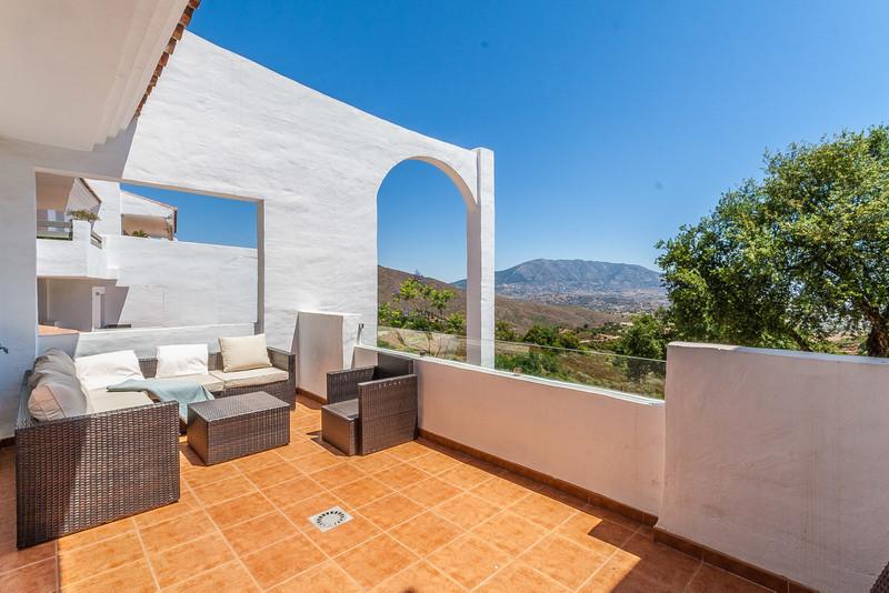 Marbella Banus Apartamento Planta Media en venta en La Mairena – R3412933