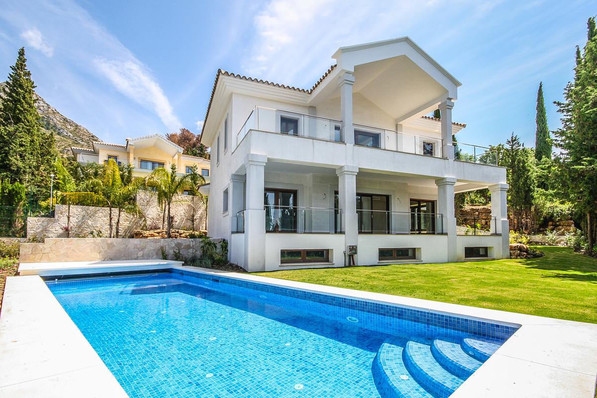 Villa – Chalet en Venta en Sierra Blanca – R2003388