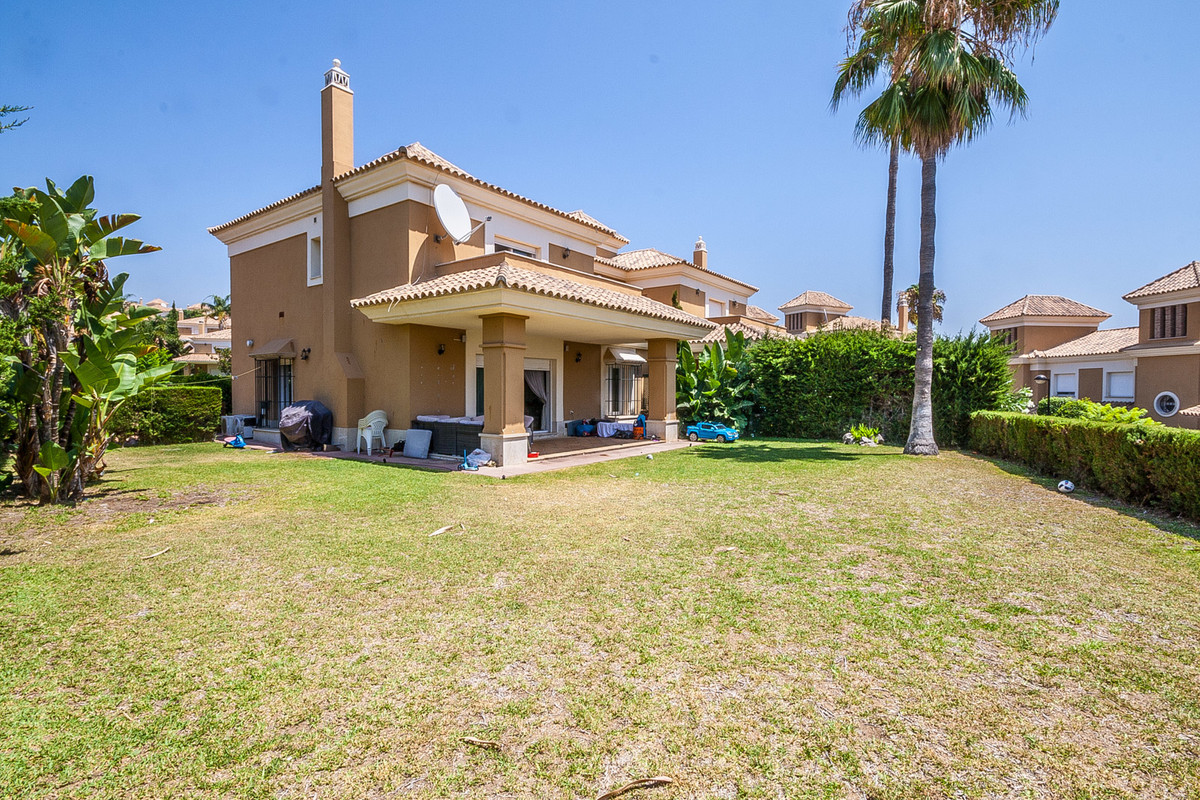 Bright and sunny semi-detached house in Santa Clara with a large private plot of 436 square meteres,, Spain