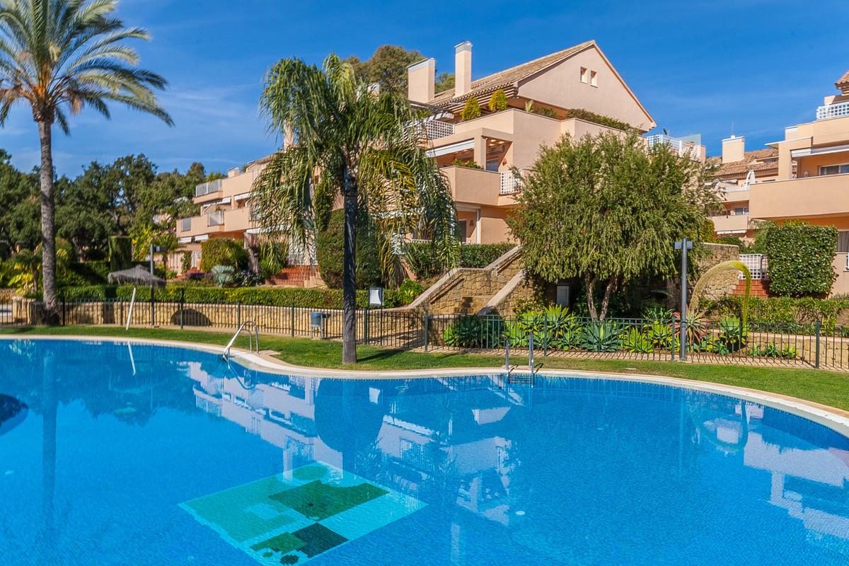 Marbella Banus Apartamento Planta Baja en Venta en Elviria – R3351553