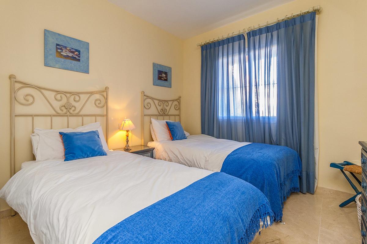Apartamento Planta Baja en Venta en Elviria – R3351553
