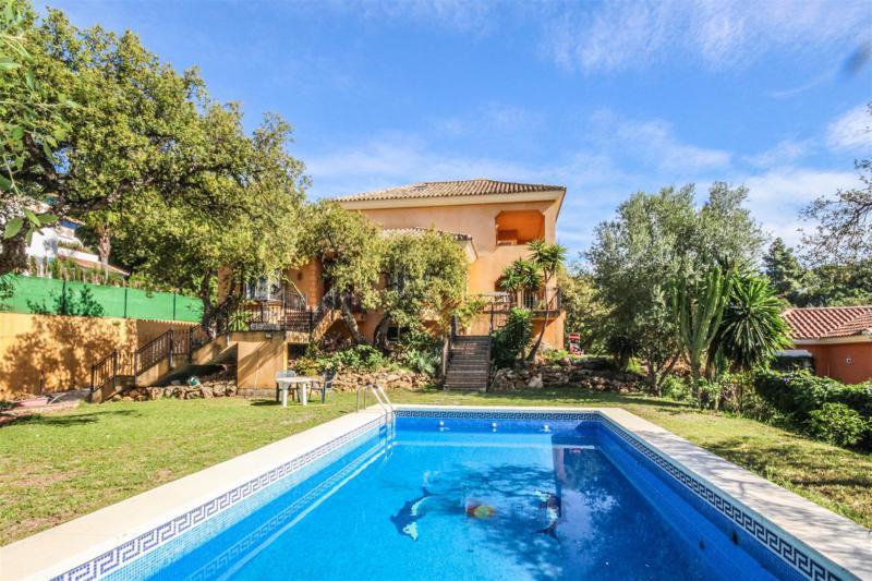 Marbella Banus Villa – Chalet en Venta en Elviria – R2303081