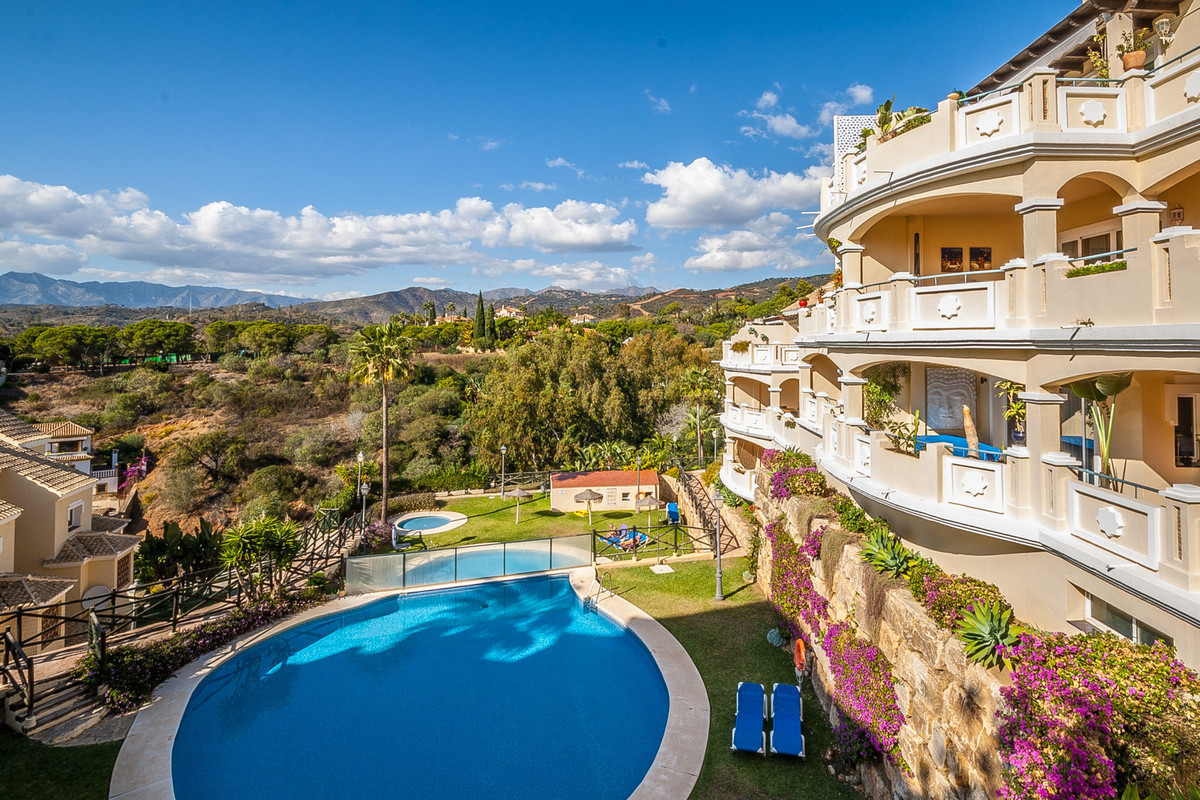 Lovely southwest facing duplex penthouse in a small community of only 48 apartments with underground, Spain