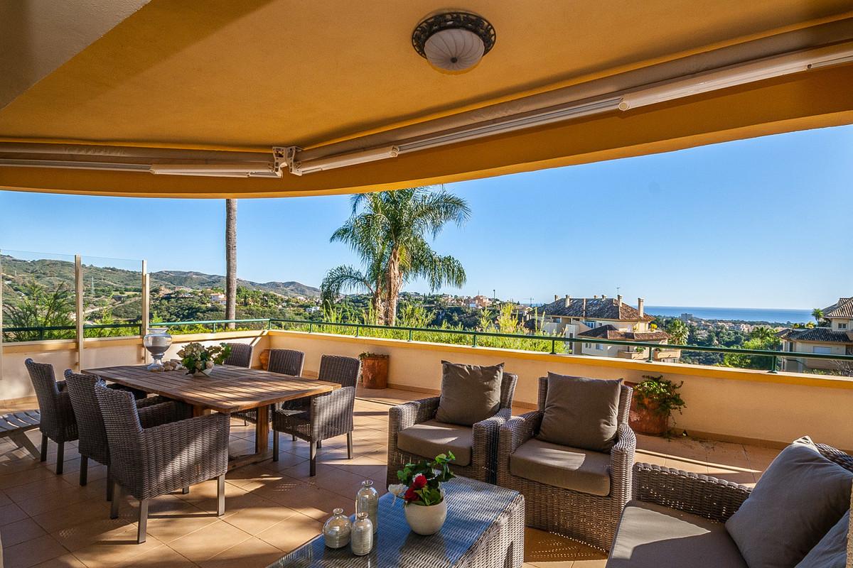 Marbella Banus Apartamento en Venta en Elviria – R3549220