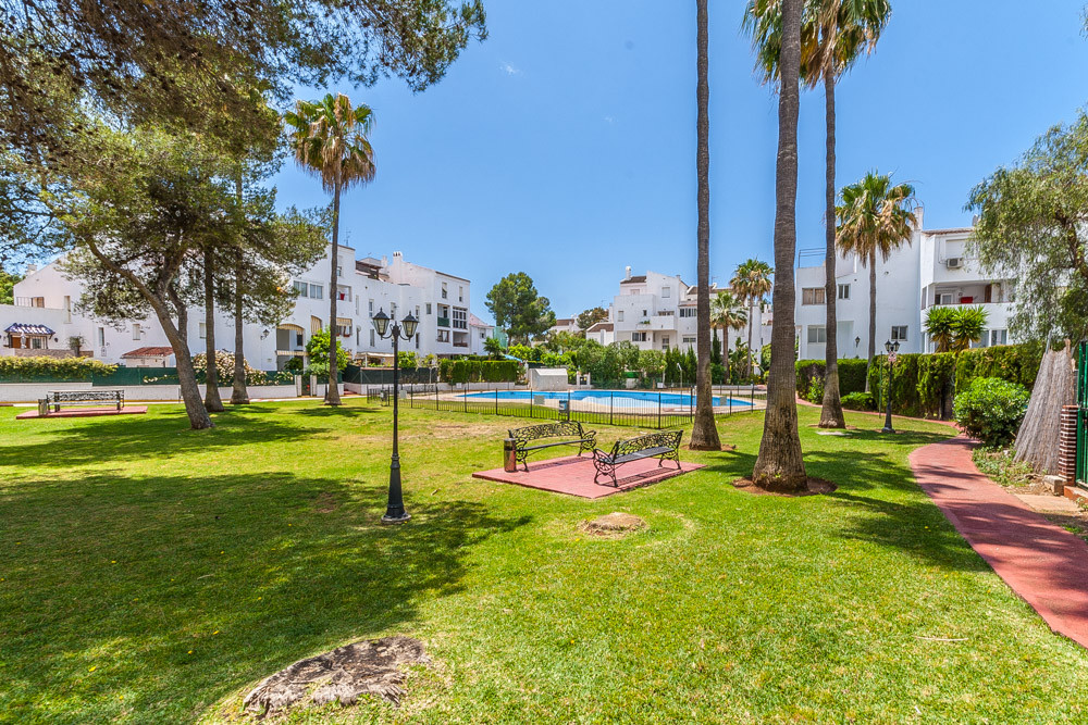 Bright and sunny top floor apartment walking distance to local bars, shops, restaurants and the beac, Spain