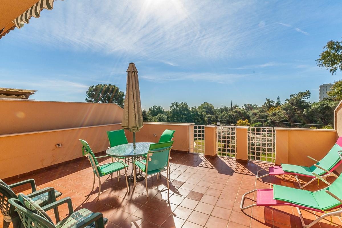 South facing penthouse overlooking the communal garden and the swimming pool in the sought after com, Spain