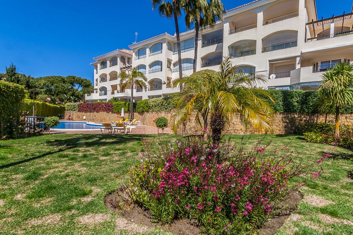 Marbella Banus Apartamento Planta Baja en Venta en Elviria – R3398770