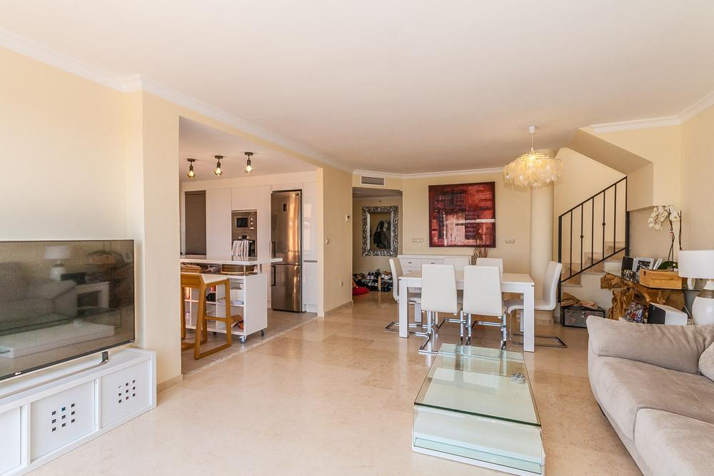 Apartment in Elviria R3218944 3