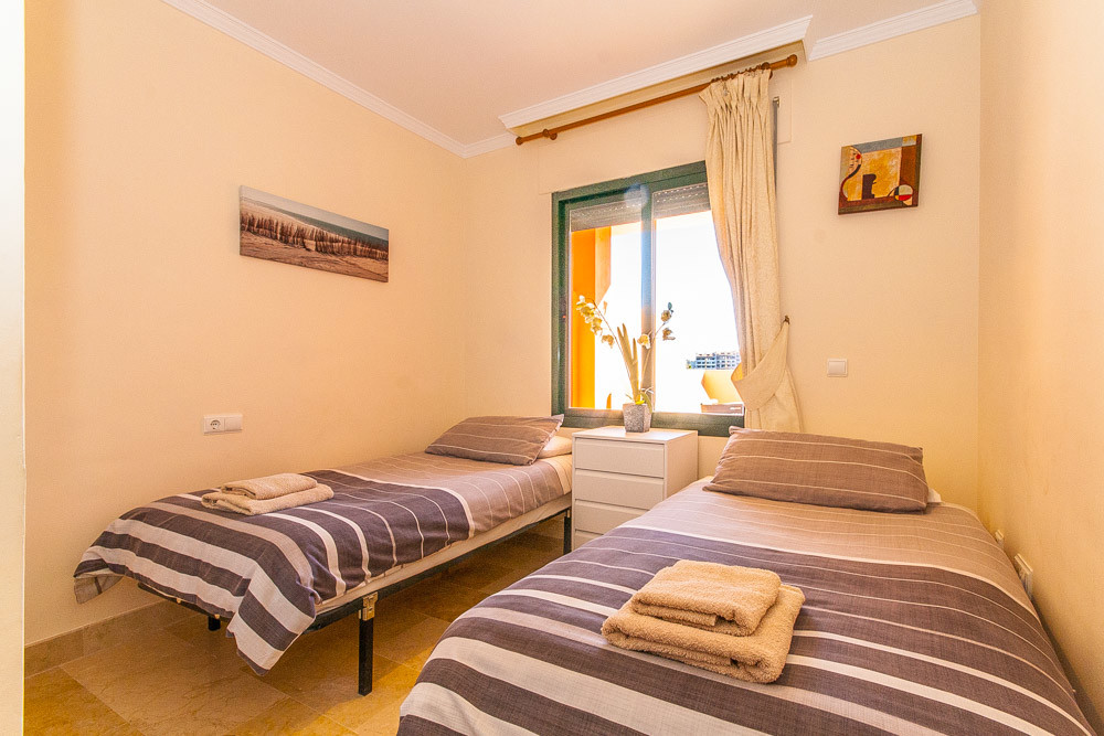 Apartment in Elviria R3333691 10
