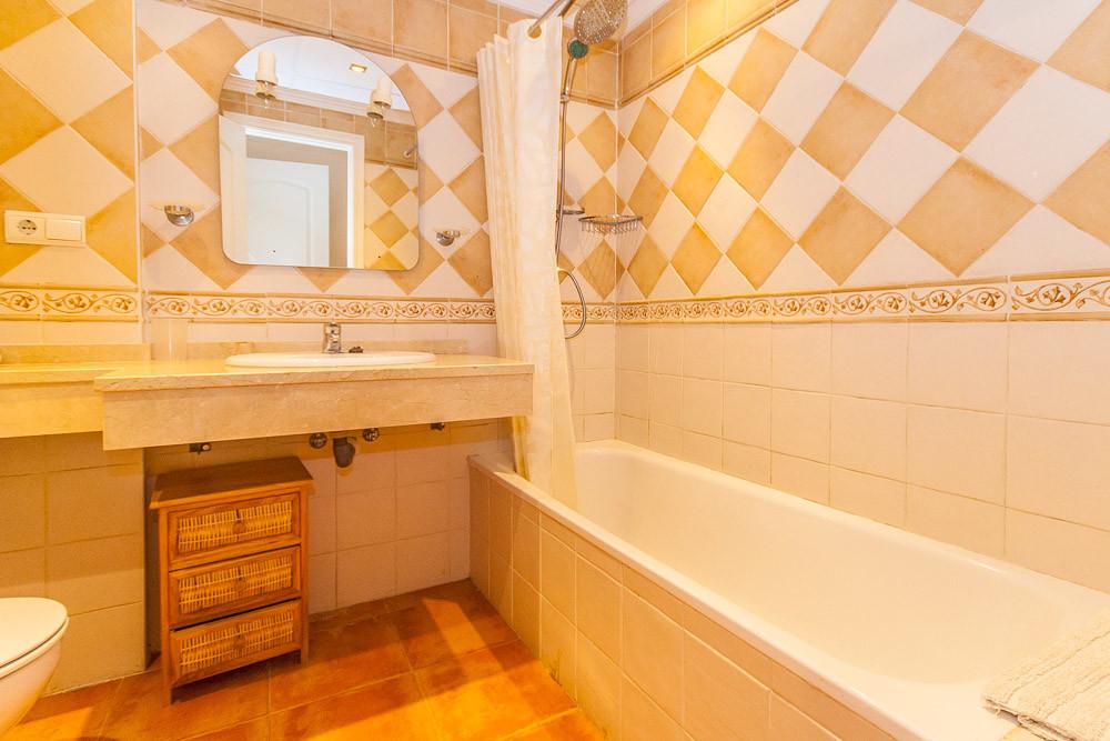 Apartment in Elviria R3333691 11