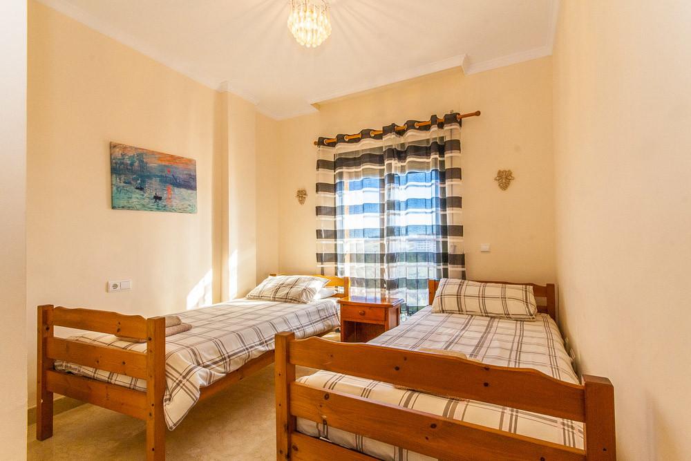 Apartment in Elviria R3333691 12