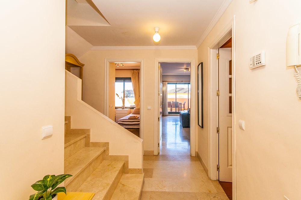 Apartment in Elviria R3333691 7